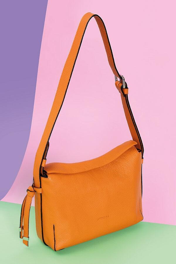 Bolso pequeño Esenciales diseño piel naranja