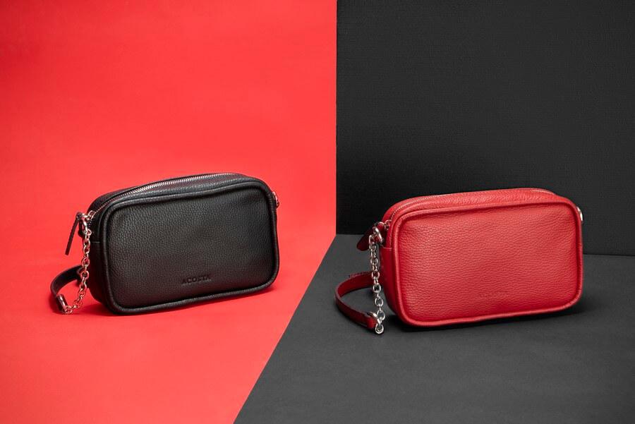 Bolsos y plumieres de cuero negro y rojo esenciales 2