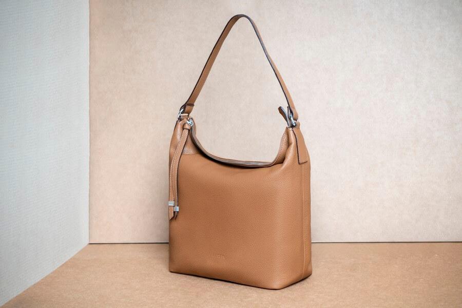 Bolso de cuero básico de diseño - Colección esenciales 2